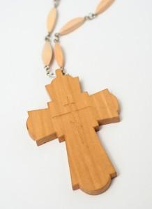 Наперсний хрест ззаді